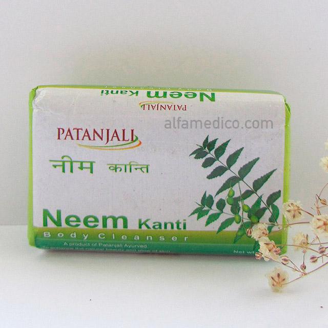Натуральное мыло Patanjali Neem Kanti с целебными экстрактами нима, турмерика и тулaси, 75 г